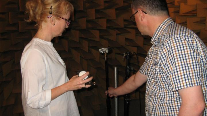 Katarzyna Tatoń and Dr. Ireneusz Czajka are preparing a rattle for recording in the AGH UST anechoic chamber. Photo by Anna Gruszczyńska-Ziółkowska