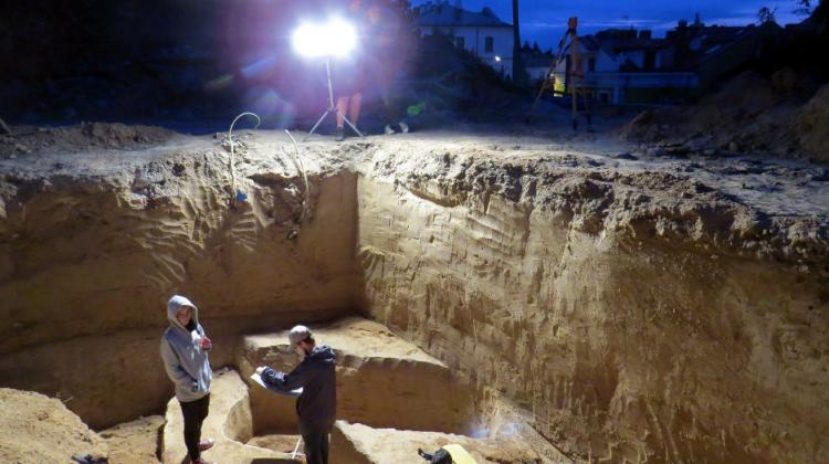 Excavations in Sandomierz, in the place where the unusual tomb was discovered. Photo by Monika Bajka