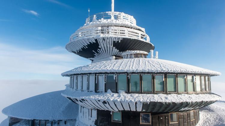 Śnieżka Meteorological Observatory of the Institute of Meteorology and Water Management. Meteorological observations on Śnieżka, the highest peak in the Karkonosze Mountains, have been conducted for nearly 140 years. Photo: Fot. PAP/Maciej Kulczyński 08.02.2018