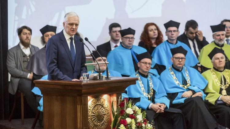 Deputy Prime Minister, Minister of Science and Higher Education Jarosław Gowin (L) during the celebration of the Nicolaus Copernicus University Day in Toruń on Feb. 19. State and university distinctions were presented on the 545th anniversary of the birth of Nicolaus Copernicus, including the titles of doctor honoris causa, honorary professor and ambassador of the Nicolaus Copernicus University. PAP/Tytus Żmijewski 10.02.2018