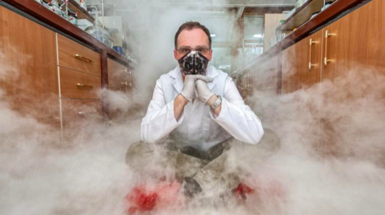 The analytical technique developed by the Warsaw-based scientists is a method of finding out about the finest details of the chemical structure of smog molecules. (Source: IPC PAS, Grzegorz Krzyzewski)