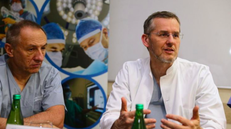 Prof. Wojciech Wojakowski, MD (P) and Prof. Andrzej Ochała, MD (L) during a press conference devoted to the use of virtual reality during heart valve implantation in the Upper Silesian Medical Centre in Katowice. Photo: Fot. PAP/Andrzej Grygiel 27.11.2018