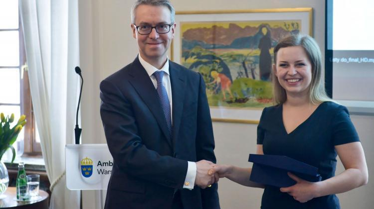 Ambassador of the Kingdom of Sweden Stefan Gullgren (L) and Paulina Pergol (P) awarded during the ceremony of presenting the Queen Silvia Nursing Award at the Swedish Embassy in Warsaw. Photo: PAP/ Jakub Kamiński 19.03.2019