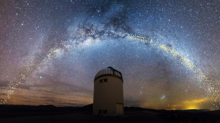 Warsaw Telescope and Cepheids in the Milky Way discovered by the OGLE sky survey (K. Ulaczyk / J. Skowron / OGLE / Astronomical Observatory of the University of Warsaw)