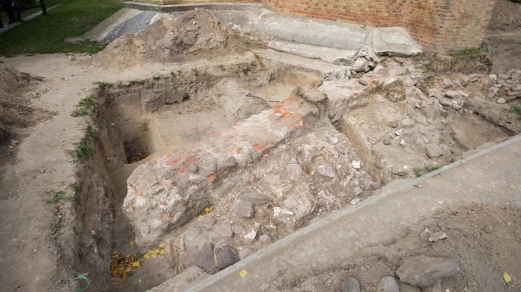 "Archaeologists presented a fragment of the pre-Romanesque building located at the Church of St. George on Lech Hill in Gniezno, discovered during the work on the project ""Palatium Expedition. Gniezno 2019"". Photo: PAP/Jakub Kaczmarczyk 17.09.2019"