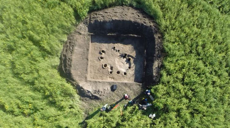 Bird's eye view of an archaeological excavation, in which a Celtic metallurgical workshop is visible. Credit: Stanisław Rzeźnik