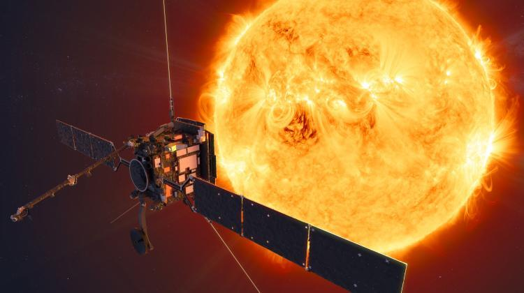 Artistic rendering of the Solar Orbiter against the background of the Sun. Source: ESA