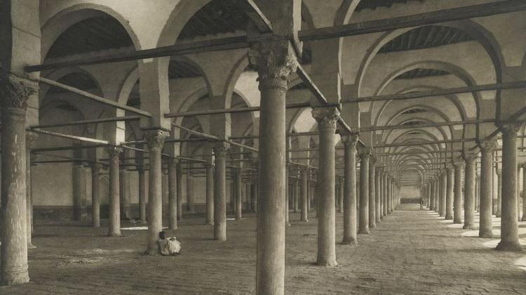 The mosque built by the conqueror of Egypt - Amr ibn al-As in the 7th century in today's Old Cairo. As a result of numerous reconstructions, today not much is left of the original structure; a photo from the late 19th century, by Junghaendel, R. M., Brooklyn Museum, public domain.